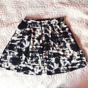 ❤️4/30❤️NWOT Tie dye skirt